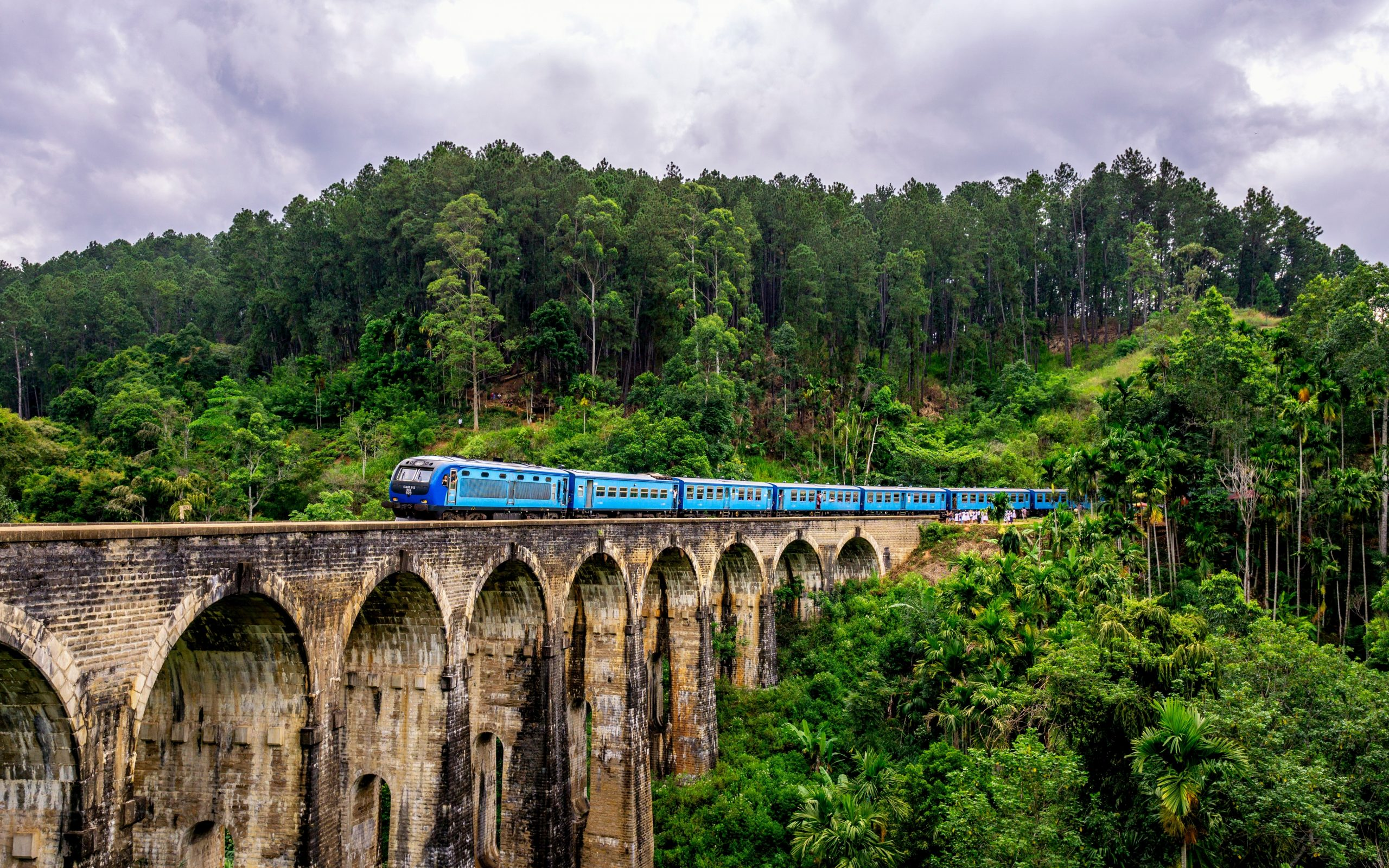 Voyages Yulgo Sri Lanka Train 9 Arches Bridge