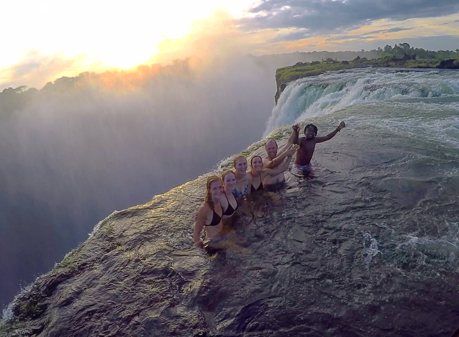 Voyages Yulgo Zambie voyage humanitaire Devil's Pool Victoria Falls
